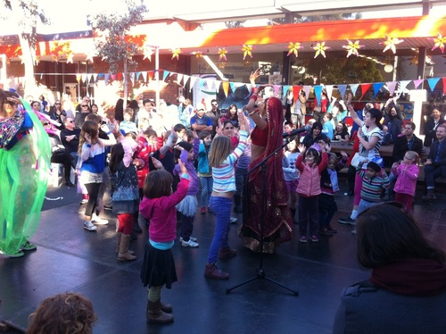 Performance and kid's workshop at Coburg Carnivale.